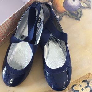GB women's flats blue